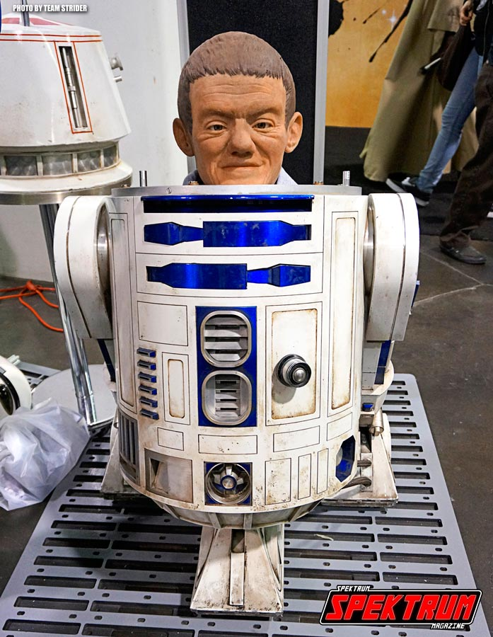 Beneath the skin of the R2 unit lies an actual person. This here though was a mock up of such