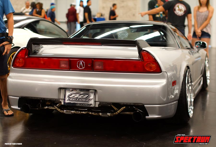 View of that same NSX from the back. Just beautiful