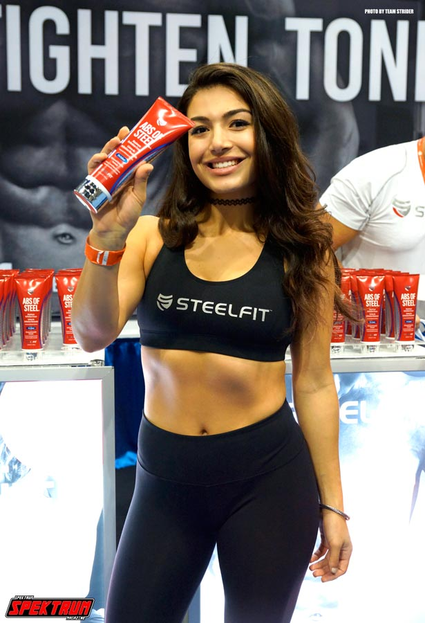 Lovely rep for Steelfit showing us 'Abs of Steel'