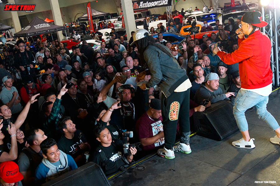 The crowd going wild for giveaways at HIN San Diego
