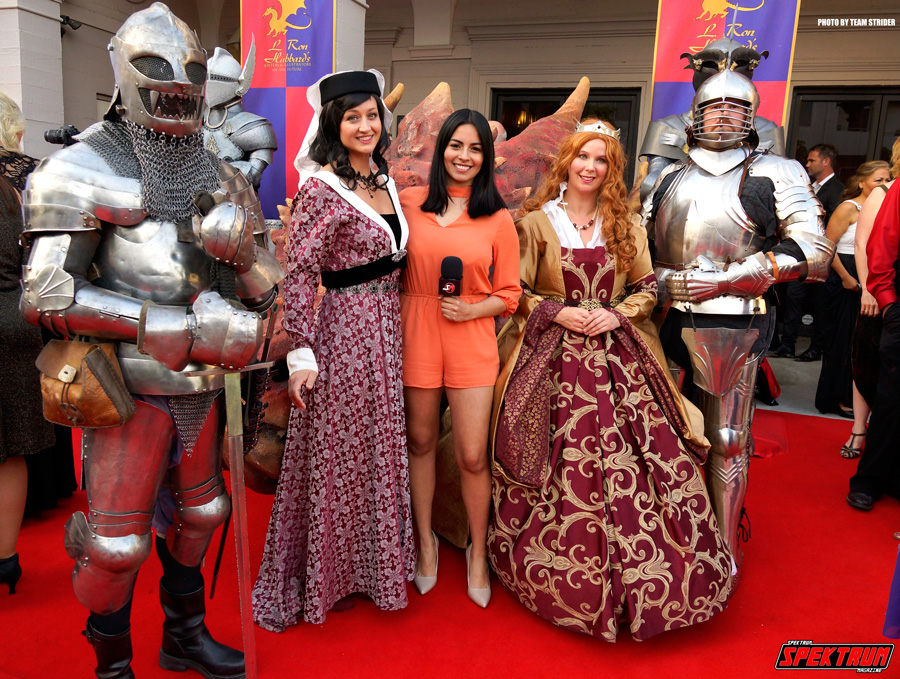 Claudia with a few knights and medieval ladies
