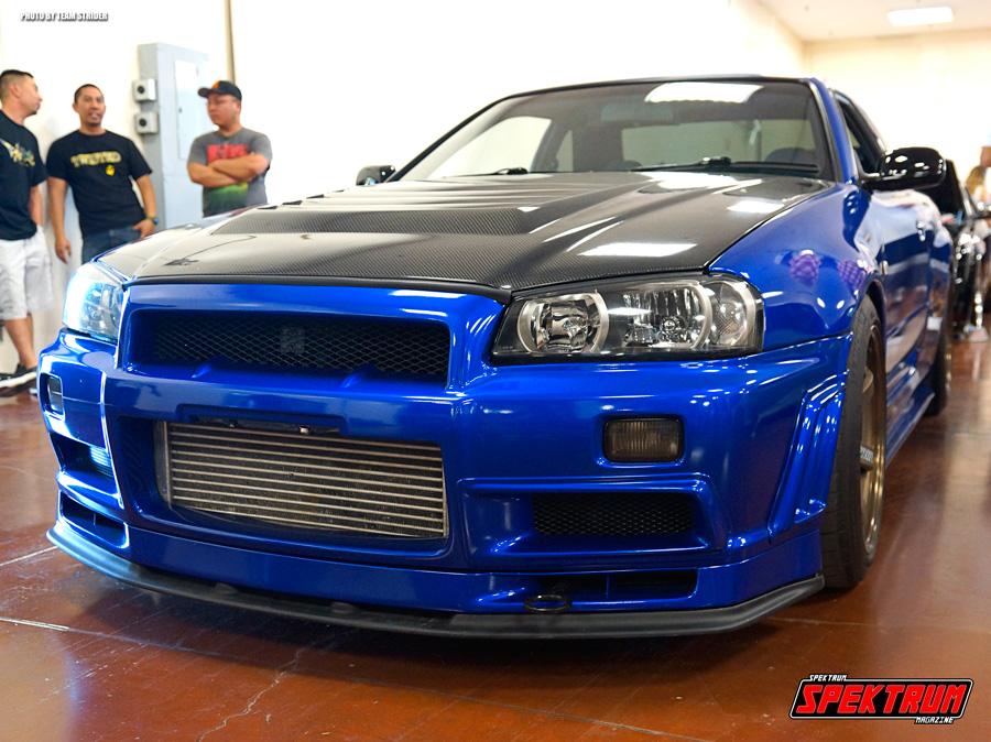 Nissan Skyline GTR-34 looking fiiiiine!