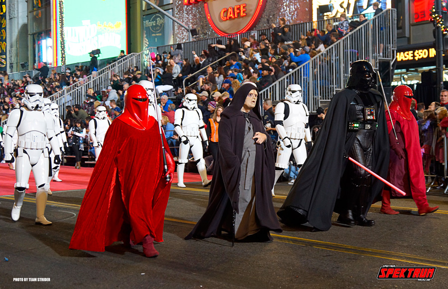 Darth Vader and the Emperor walk the streets of Hollywood