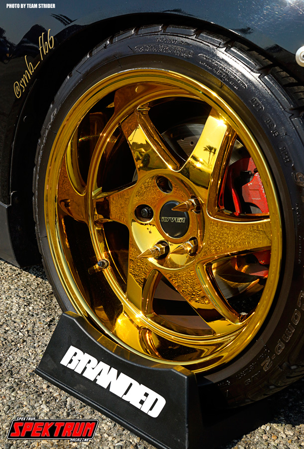 Totally digging these gold wheels