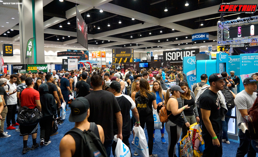 Whoa, there were a lot of people at this year's Fit Expo LA!