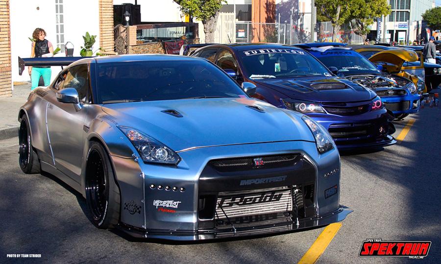 Killer Nissan GTR on the main street at HIN
